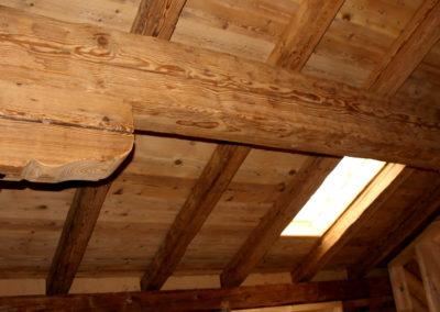 Dachausbau mit Kantholz und alter Dachschalung