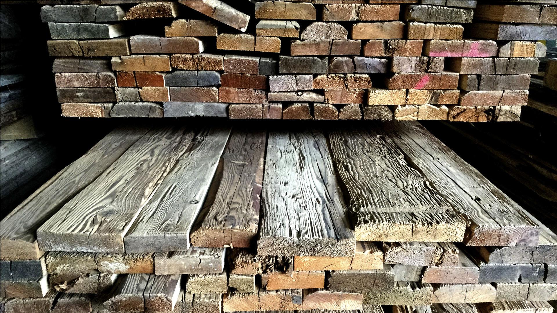 Bretter f r wand und deckenverkleidung altholzcenter buchegger in thalgau bei salzburg - Brett an die wand anbringen ...